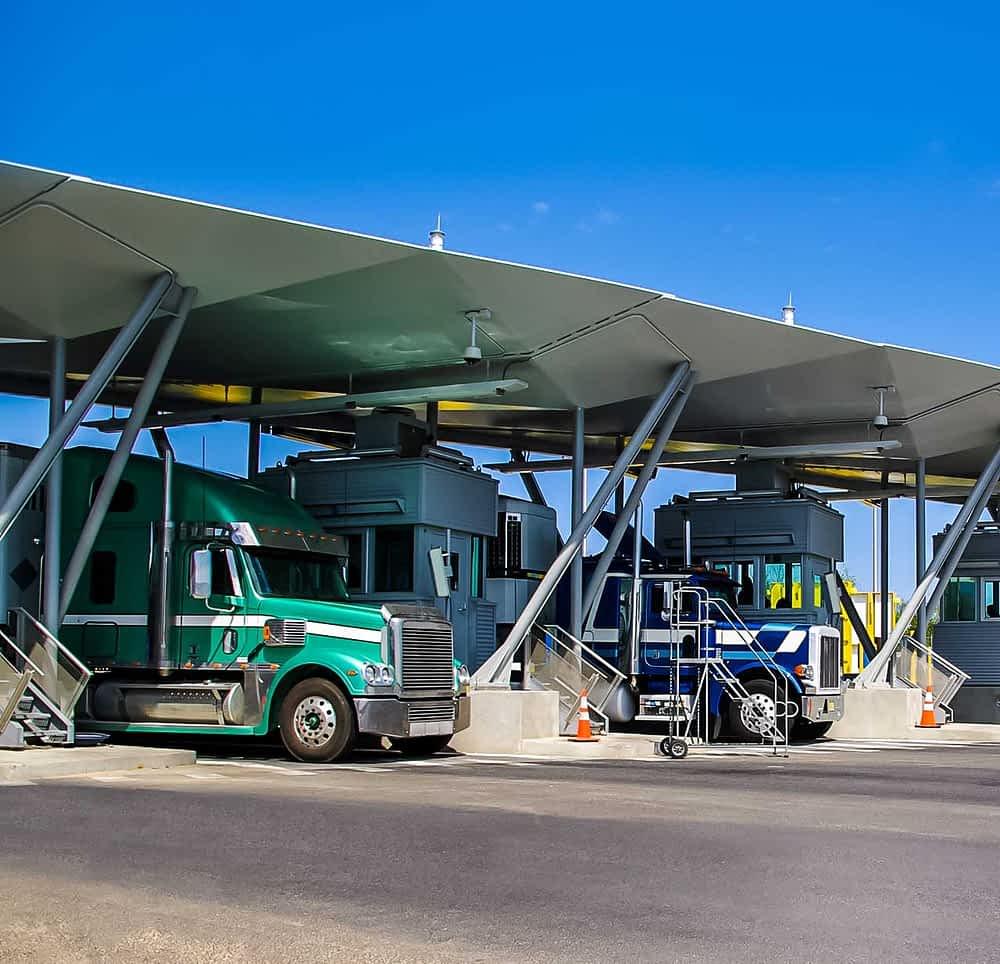 International shipping and transport logistics